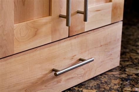kitchen cabinet bar pulls top knobs decorative hardware m430 european bar pulls 5155