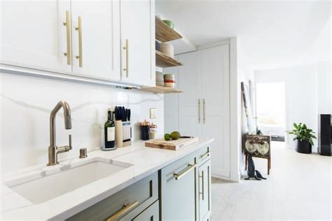 2 tone kitchen cabinets photos two tone kitchen cabinets 2019 home trends popsugar
