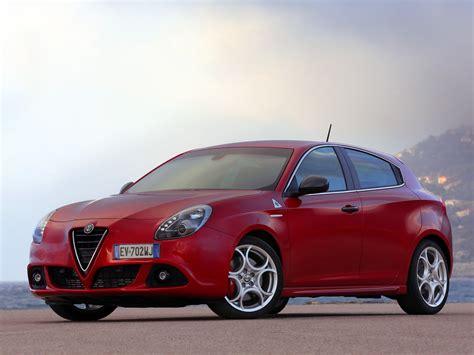 Alfa Romeo Giulietta Quadrifoglio Verde Specs & Photos