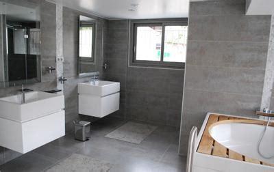 salle de bain grise et vasque blanche suspendue virginie