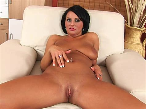 Hot Milf Indiria Rubs Her Sweet Pussy Free Porn Videos