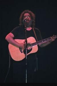 Jerry Solo Acoustic, Capitol Theater, Passaic NJ, 04/10 ...