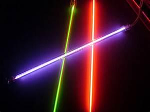 Tube Neon Couleur Deco : tube fluorescent ~ Melissatoandfro.com Idées de Décoration