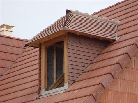 chien assis toiture zinc tableau isolant thermique