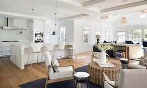 Nantucket style interior design ideas brokeasshomecom for Chic interior design ideas for homes