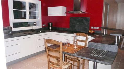 une cuisine modernisee grace   ensemble de meubles sur