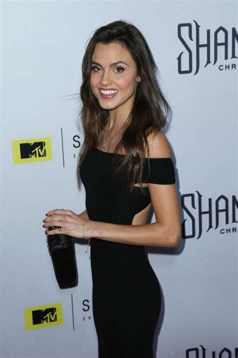 poppy drayton bikini hottest woman 1 5 16 poppy drayton the shannara