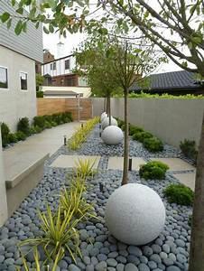 Steine Für Beete : 80 ideen wie ein minimalistischer garten aussieht ~ Lizthompson.info Haus und Dekorationen