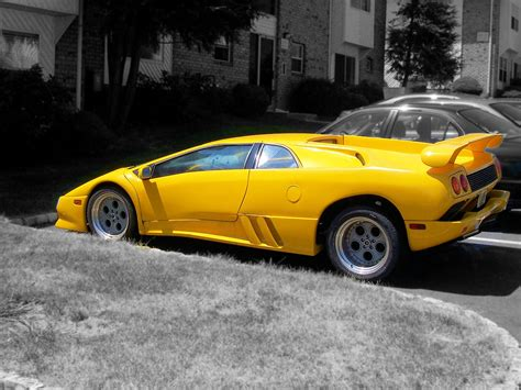 yellow lamborghini file yellow lamborghini jpg wikipedia