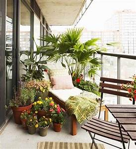 sichtschutz fur den balkon pflanzen umgeben sonnenliege With französischer balkon mit sichtschutz für den garten