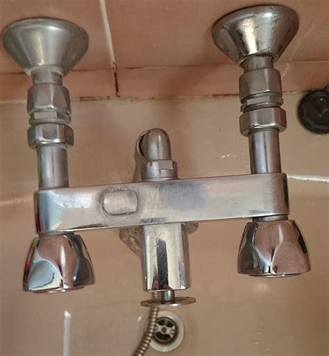 fuite changement robinets ou joints pour salle de bains