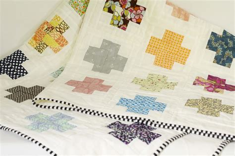 modern log cabin quilt the sweeter side of mommyhood 187 modern log cabin cross