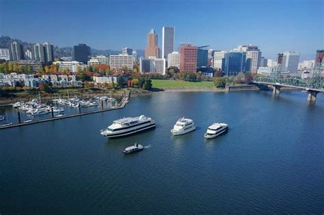 Dinner On A Boat Portland Oregon by Celebrate City Lightsq Picture Of Portland Spirit River