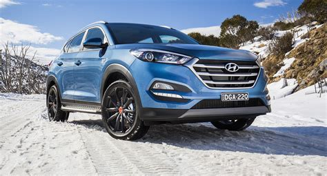 hyundai australia celebrates 30 years with santa fe tucson v6 returns to santa fe for new
