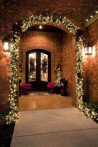21 extravagant decorations for your front door