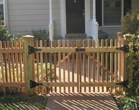 13 Best Wood Picket Fence Images On Pinterest