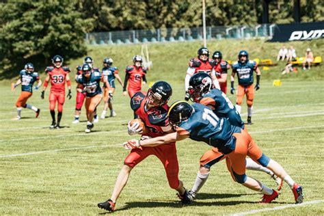 """Amerikietiško futbolo pionieriai - Vilniaus """"Iron Wolves ..."""