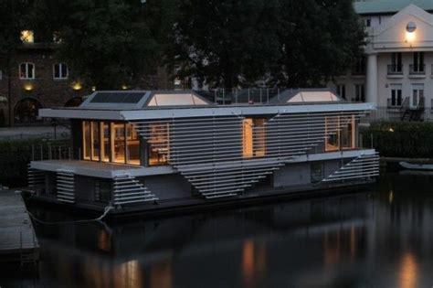 Woonboot Oudega Te Koop by Dit Is Een Woonboot Jpg 615 215 409 건축 부스 인테리어 Pinterest