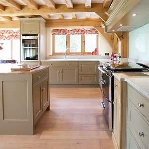cuisine taupe 51 suggestions charmantes et tres tendance With meuble de cuisine rustique 2 cuisine en bois bois clair meuble de cuisine en bois