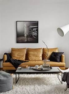 le canape beige meuble classique pour le salon archzinefr With tapis moderne avec beau canapé en cuir