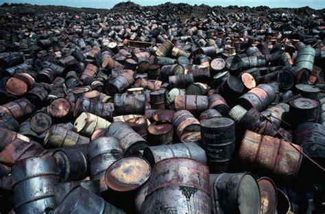 achat verre de le a petrole le baril de p 233 trole est d 233 sormais moins cher que le baril vide r 233 alit 233 s