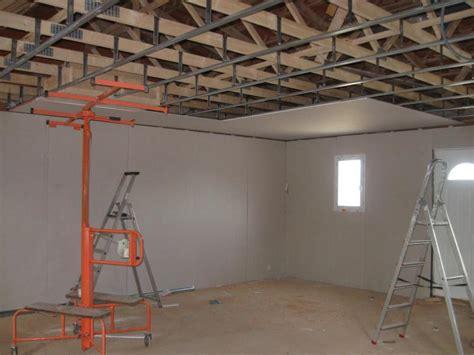 pose placo plafond sur rail affordable refaire un plafond en placo with pose placo plafond sur