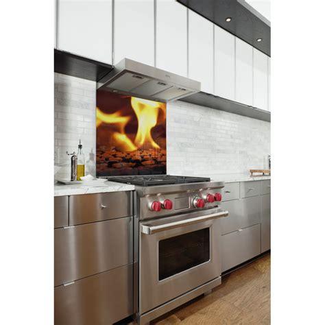 fond de cuisine fond de hotte feu flamme orange verre et alu credence