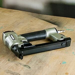 Best Staples For Upholstery by Top 10 Best Staple Guns For Upholstery In 2019 Awesome Guide