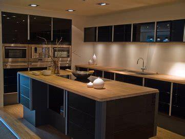 cuisine noir plan de travail bois cuisine noir laque plan de travail bois