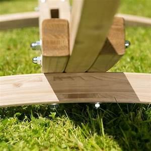 Structure Pour Hamac : les supports de hamac en bois vendus chez camille co sont tous de fabrication europ enne ~ Teatrodelosmanantiales.com Idées de Décoration