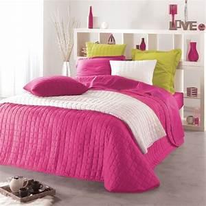 Couvre Lit Matelassé Ikea : couvre lit 240 x 220 cm matelass venus fuchsia eminza ~ Melissatoandfro.com Idées de Décoration