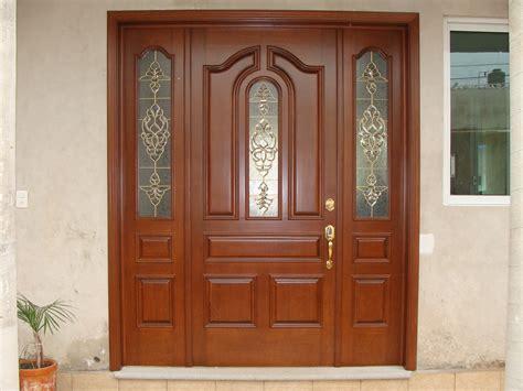 puerta  vitrales en canuela de laton  cristales
