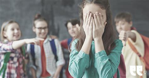 Mobings klasē pasliktina visu bērnu sekmes un emocionālo ...