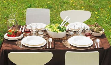 12 Simple Tips for Summer Party Table Setting and Outdoor