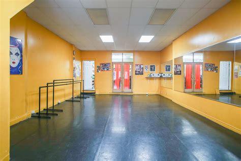 interior photographer  dance studio rental space