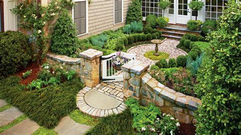 Courtyard Backyard Ideas - Home Design