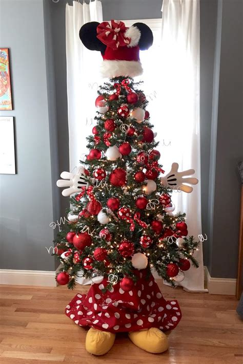 christmas tree themes   style southern living