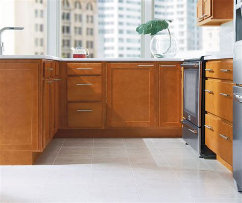 shaker style cabinets kitchen shaker style kitchen aristokraft cabinetry 5167