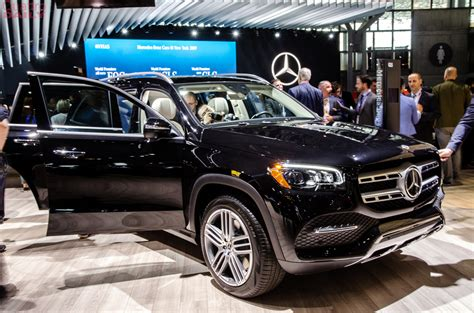 Modifikasi Mercedes Gls Class by 2019 Ny Auto Show Mercedes Gls Class Debuts To Take