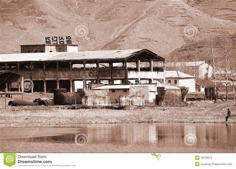 design on stock fabriek nordkoreas fabrik redaktionelles stockfotografie bild von