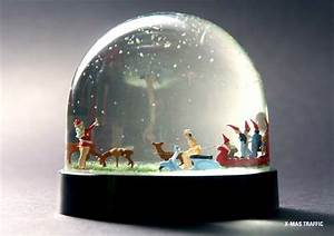 Boule à Neige : funny elfin ornaments nisse landscape snow globes ~ Teatrodelosmanantiales.com Idées de Décoration