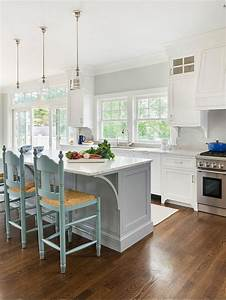 25 best ideas about benjamin moore moonshine on pinterest for Kitchen colors with white cabinets with lilly pulitzer wall art