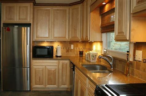 new kitchen tiles 1000 ideas about maple kitchen on craftsman 1085