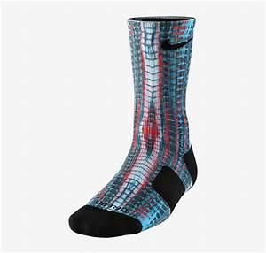 Nike LeBron 12 23 Chromosomes Socks | SportFits.com