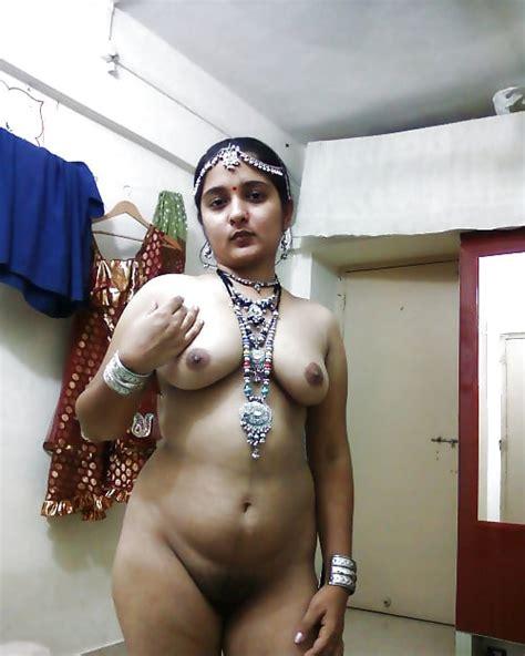 Mangala Bhabhi 155 Pics