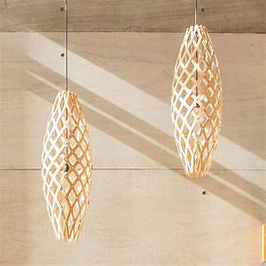 Suspension En Bois : la lampe hinaki est une suspension en bois de bambou finition naturel color ou teint design ~ Teatrodelosmanantiales.com Idées de Décoration