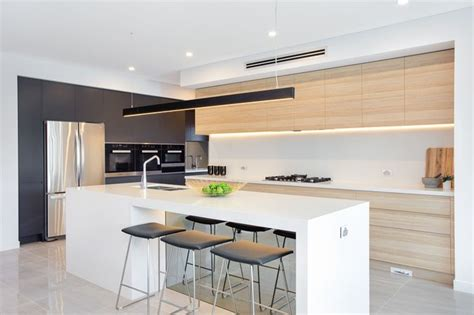 colors for small kitchens 17 best ideas about modern kitchen design on 6876