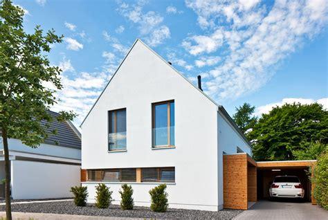 Moderne Häuser Mit Holzfenster by Kundenhaus Familie Immel Zaunm 252 Ller Massivhaus Gmbh