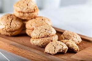Easy Almond Butter Mini Cakes