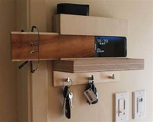 The Handmade Wall Organizer Keeps Your Accessories Easily